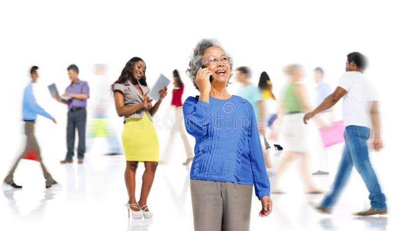 群落多样性人购物的网上技术概念 免版税图库摄影