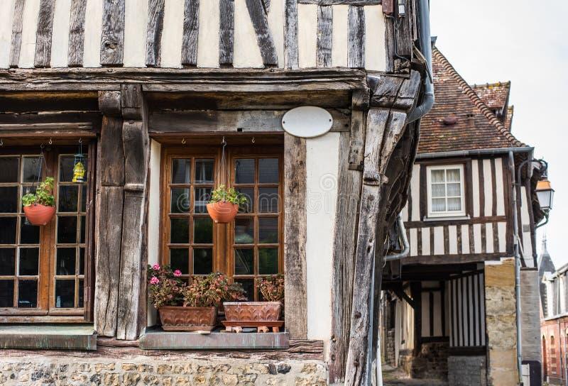 翁弗勒尔,法国诺曼底 老城风景如画的街道 法国北部地区 免版税库存图片