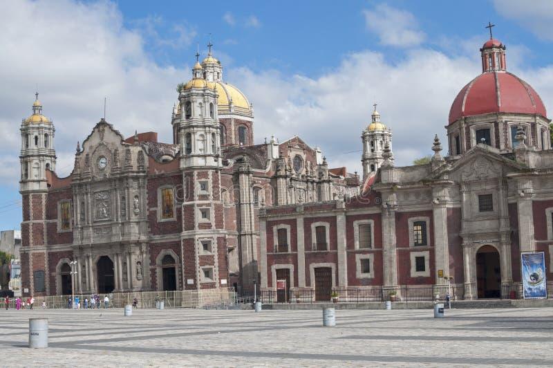 老下沉的大教堂在墨西哥城 库存图片
