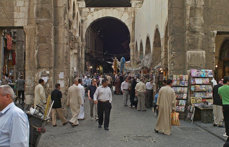 老义卖市场的入口在大马士革,叙利亚 免版税图库摄影