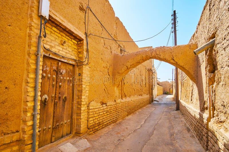 老亚兹德,伊朗破旧的街道  免版税库存照片