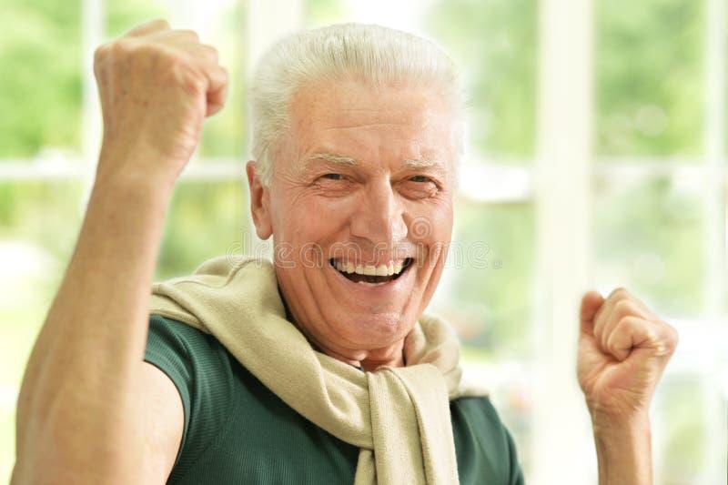 老人用手 免版税库存图片
