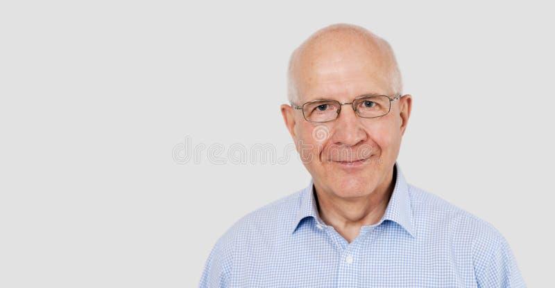 老人画象戴眼镜的 免版税库存照片
