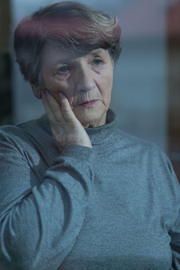 老人院的担心的居民 免版税库存照片