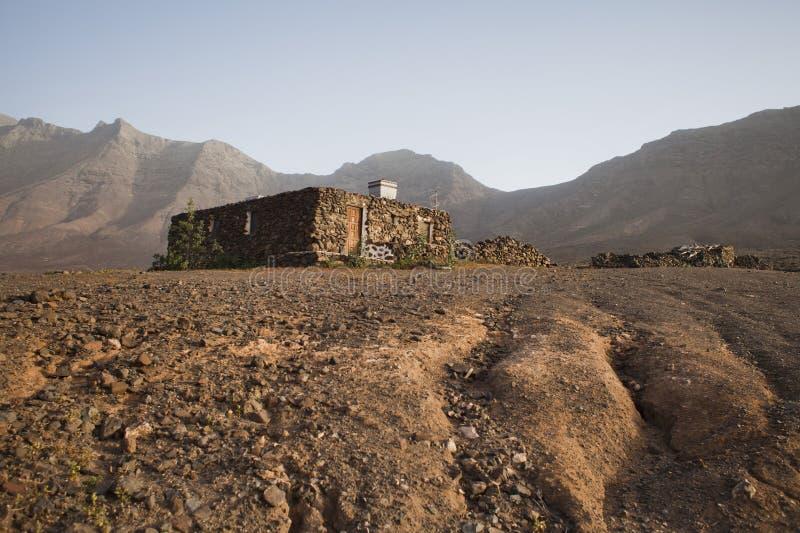 老传统石建筑学在村庄Cofete,加那利群岛,费埃特文图拉岛海岛,西班牙04/02/2019 图库摄影