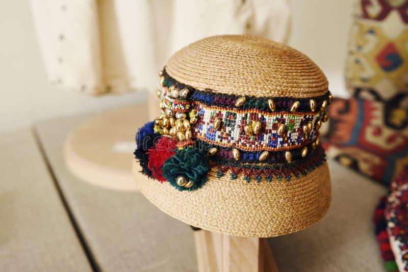 老传统罗马尼亚帽子 图库摄影
