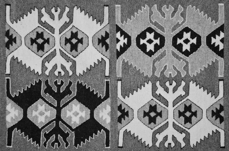 老传统罗马尼亚羊毛地毯 库存图片