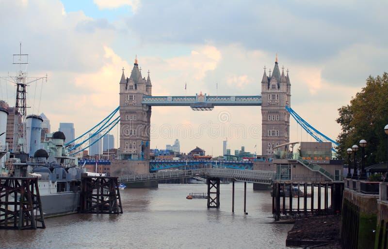 老伦敦吊桥 免版税图库摄影