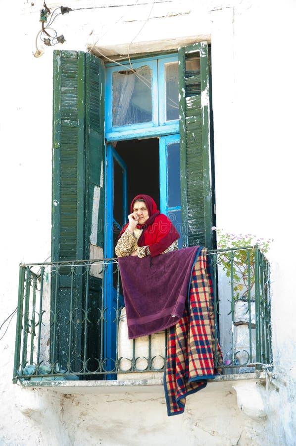 老体贴的突尼斯妇女 库存图片