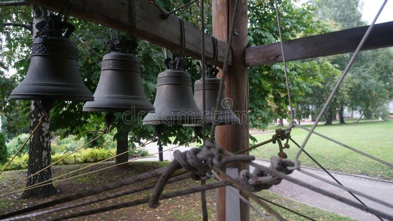 从老修道院的响铃 免版税库存照片