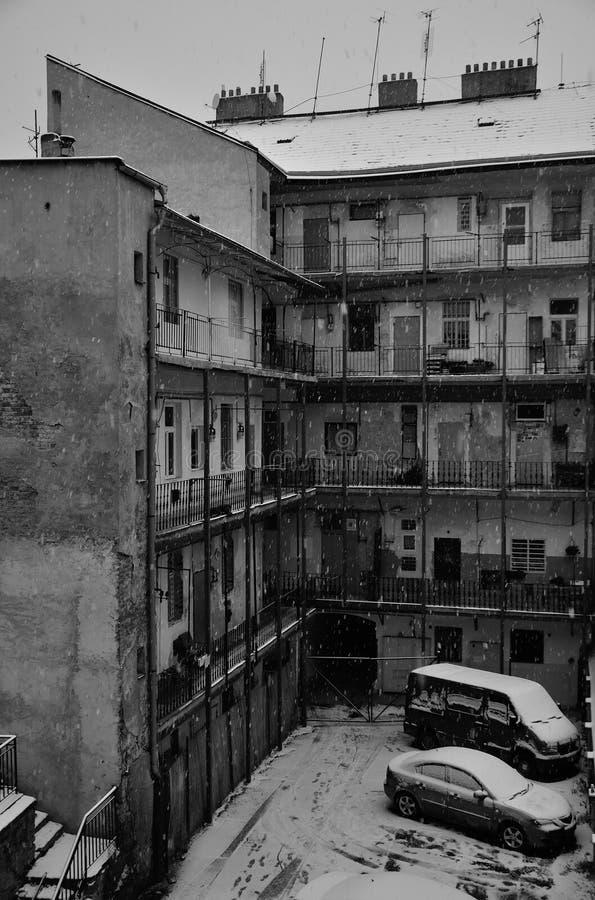 老公寓在布拉格在冬天,捷克 库存照片