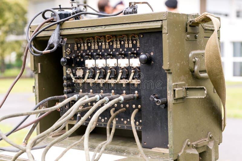老军事美国军队无线电收发两用机 图库摄影
