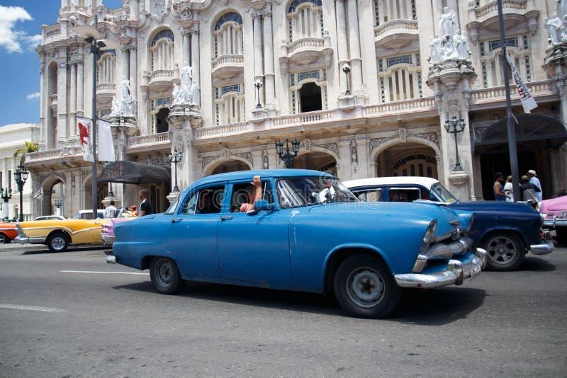 老减速火箭的经典美国汽车在哈瓦那,古巴- 5 库存图片