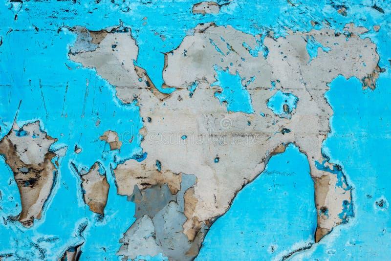 老削皮油漆和肮脏在老蓝色混凝土墙背景 免版税图库摄影