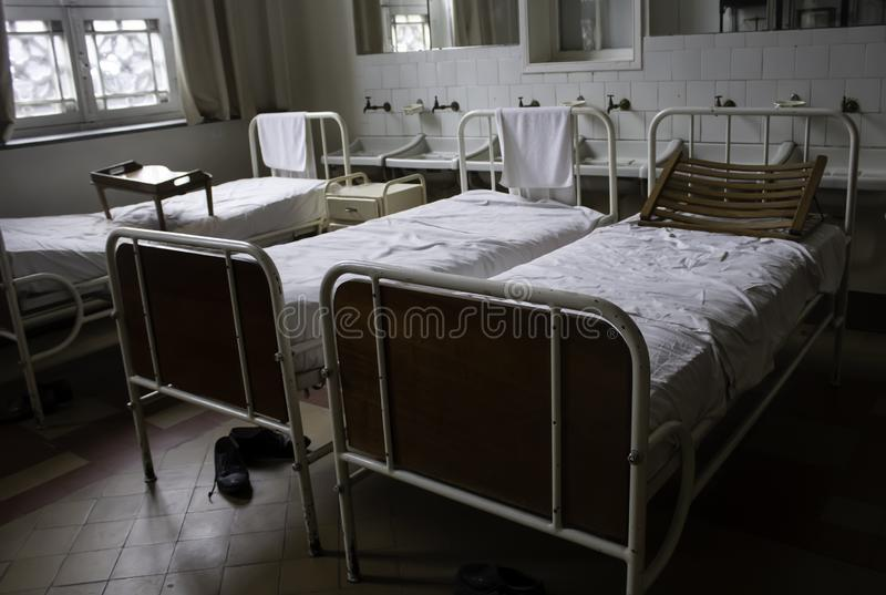 老医院病床 免版税库存照片