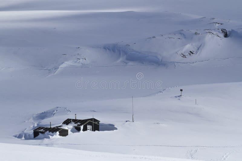 老南极研究工作站在冬日 免版税库存照片