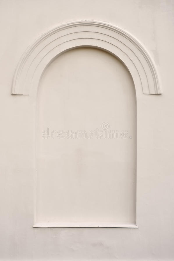 老变老的虚假曲拱错误假视窗灰泥框架 免版税库存照片