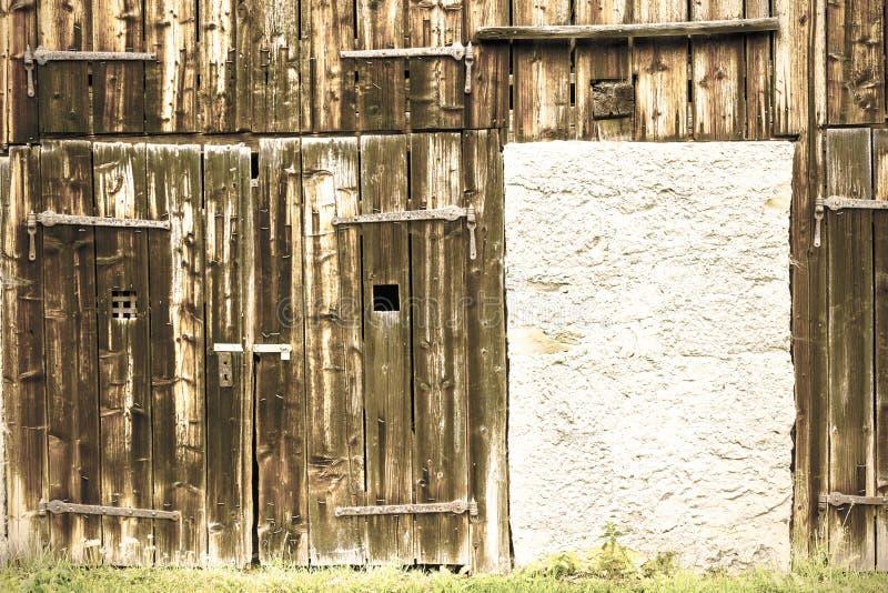 老变黑的木头 免版税库存图片