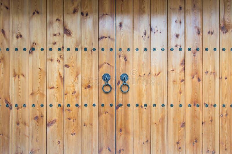 老古色古香的门 免版税库存照片