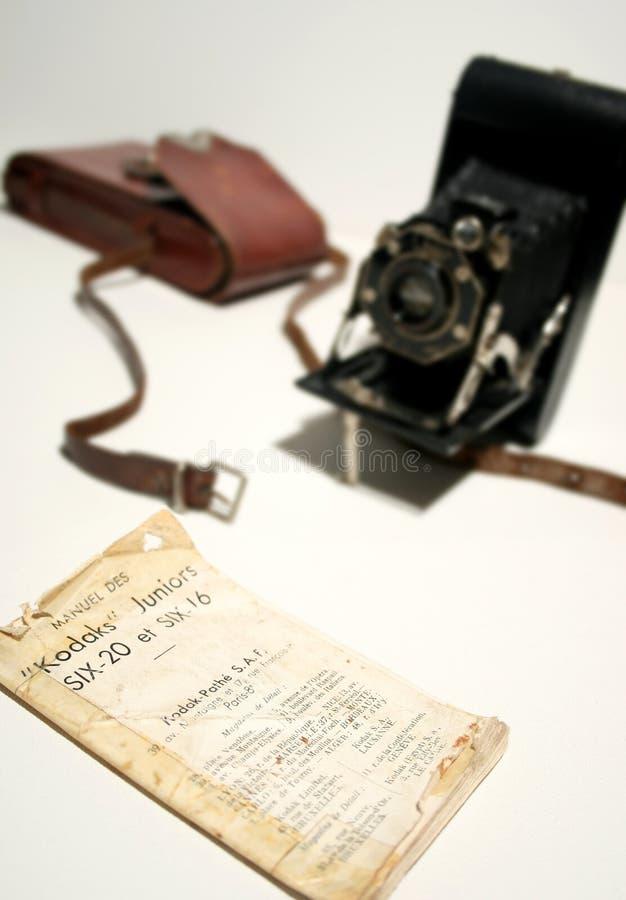 老古色古香的风箱式照相机指南 免版税库存图片