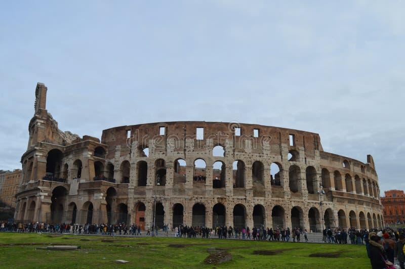 老和历史的罗马斗兽场在罗马,意大利 免版税图库摄影