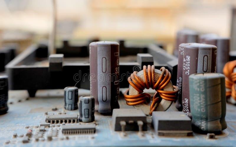 老和多灰尘的电子设备宏观照片  免版税图库摄影