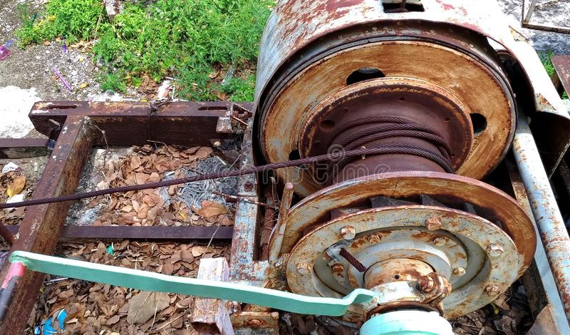 老和生锈的老机械 库存照片