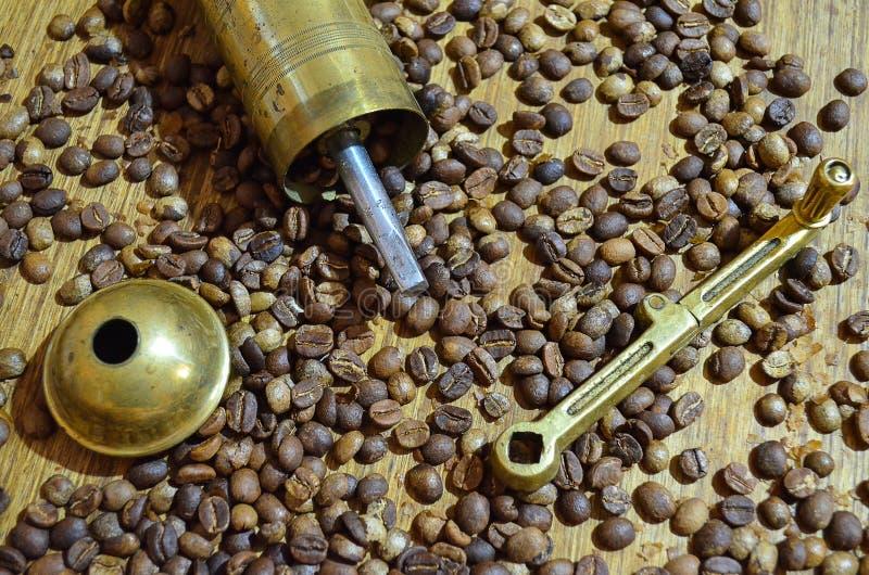 老咖啡碾 免版税图库摄影