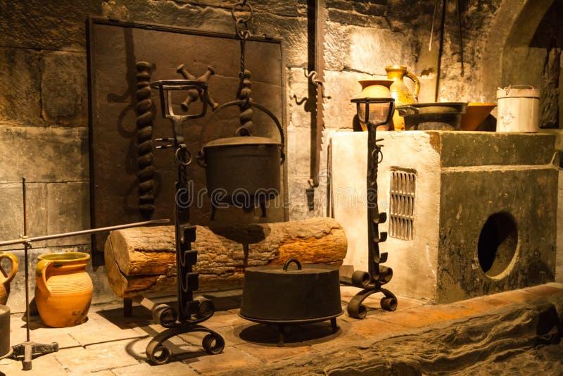 老城堡厨房 免版税库存照片