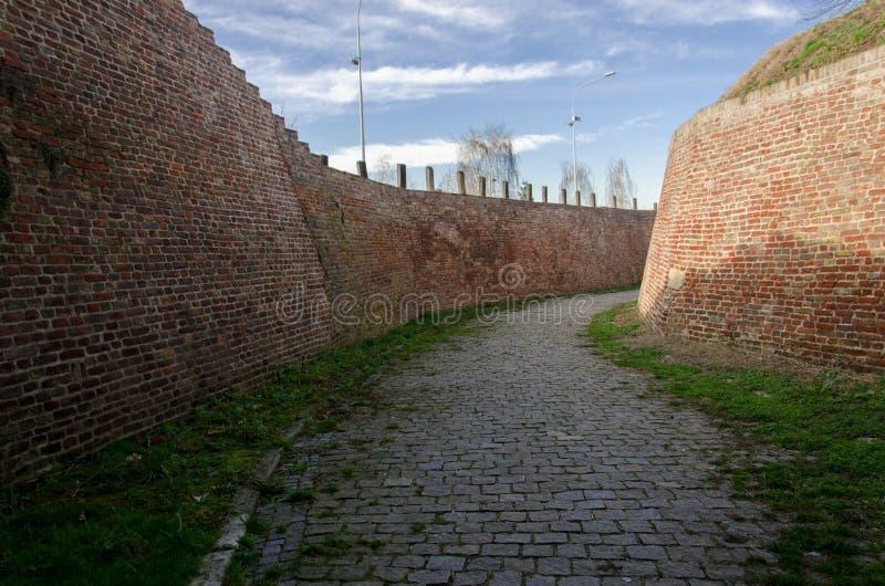 老城堡石道路  免版税库存照片