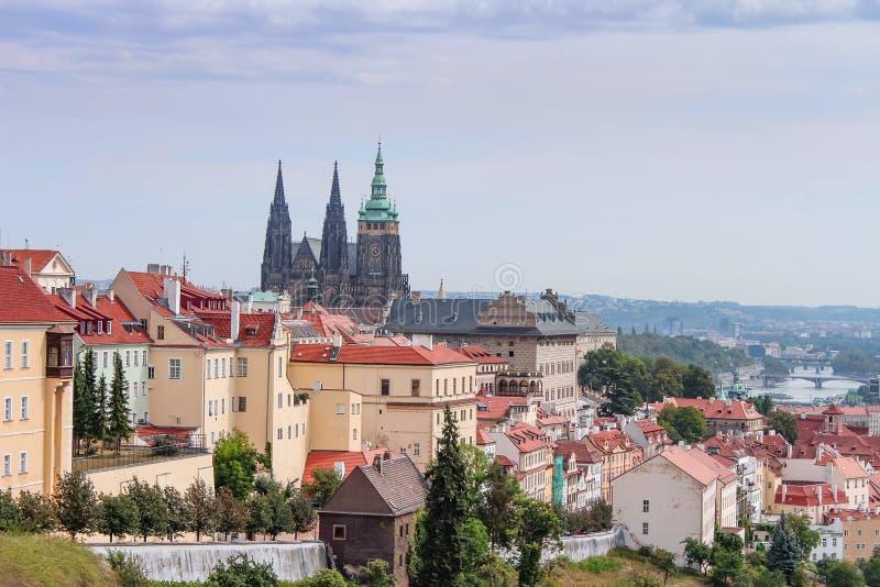 老城市的布拉格风景在清早 布拉格是都市风景 cesky捷克krumlov中世纪老共和国城镇视图 免版税库存图片