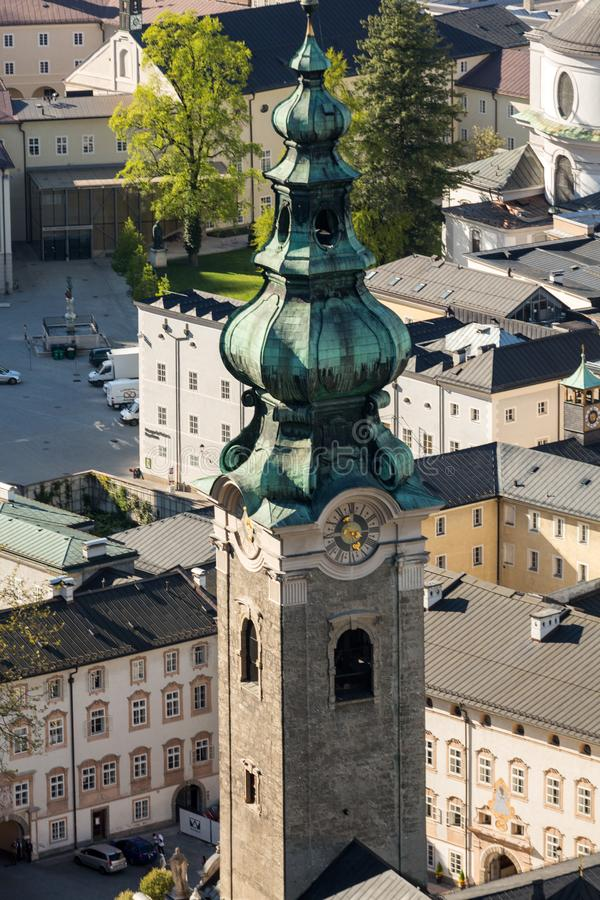老城市的顶视图在萨尔茨堡,奥地利的中心, 免版税库存照片
