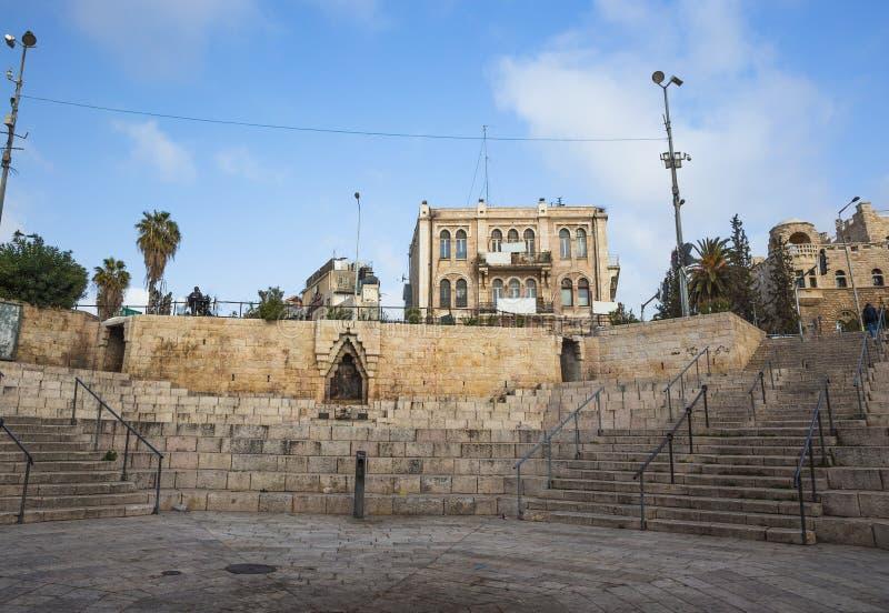 Download 老城市耶路撒冷Viev  在neautiful大厦附近的晴朗的夏日 库存图片 - 图片 包括有 以色列, 中间: 72353069