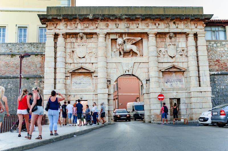 老城市门在老镇在扎达尔,克罗地亚 库存照片