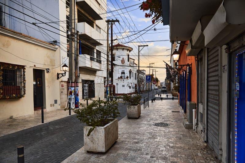 老城街景 殖民建筑细节 典型的殖民风格 多米尼加共和国圣多明各街道 图库摄影