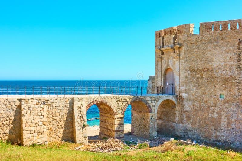 老堡垒在西勒鸠斯 免版税库存图片
