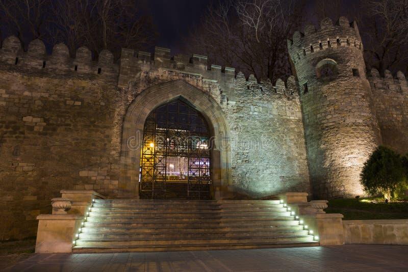 老堡垒的门,对巴库老镇的入口 免版税库存照片