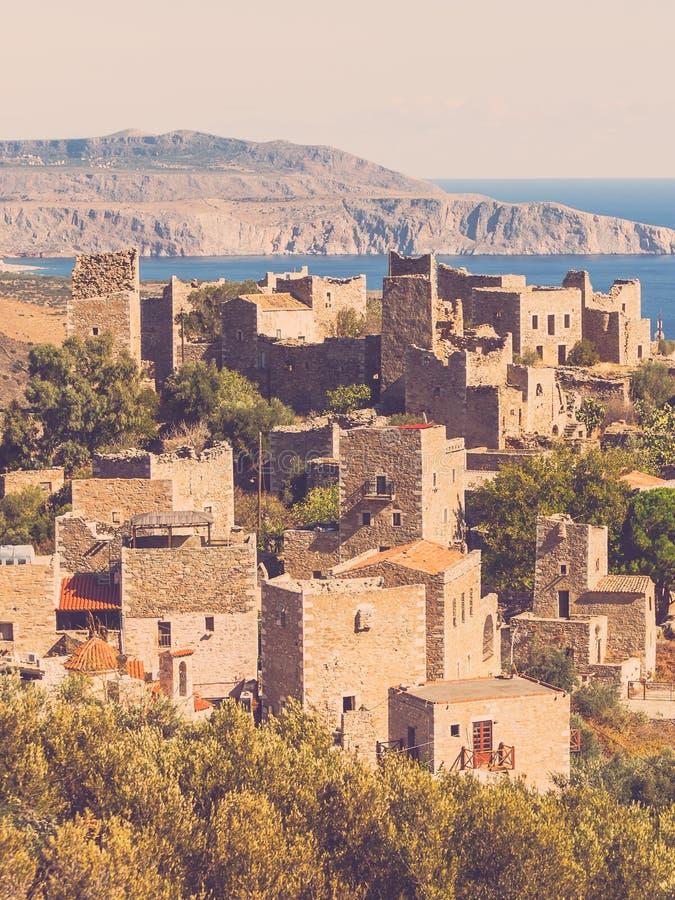 老塔房子在玛尼的,希腊村庄Vathia 免版税库存图片