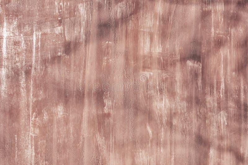 老墙壁参差不齐地绘与肮脏的棕色油漆 没被弄脏的地方、抓痕和污点纹理  ?? 库存图片