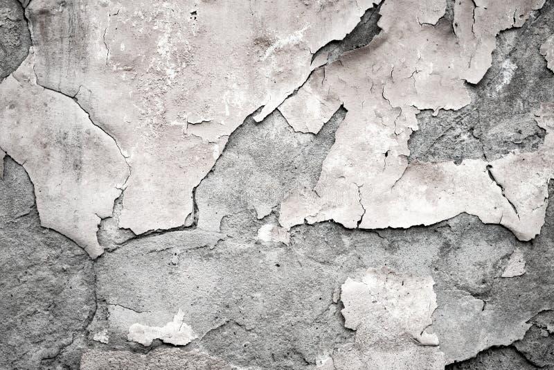 老墙壁的片段有腐朽的和跌下膏药 库存图片
