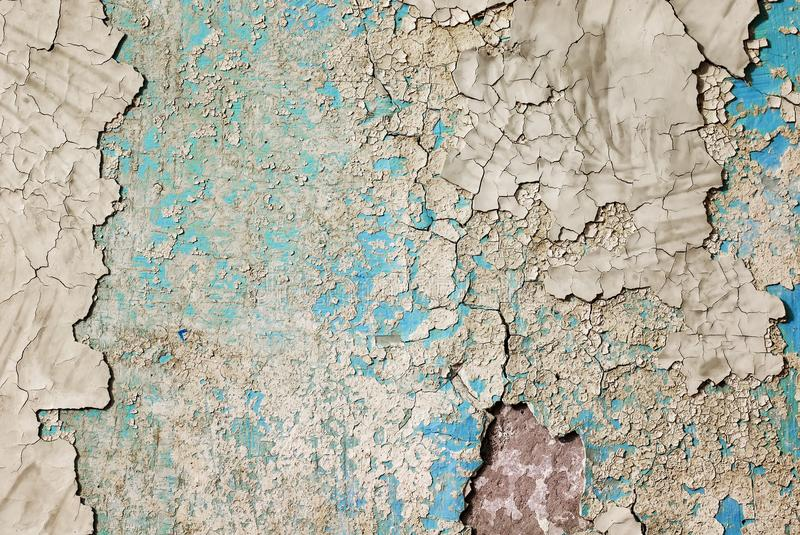 老墙壁背景纹理有削皮油漆许多层数的  免版税图库摄影