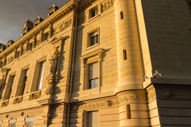 老大厦前面,巴黎 图库摄影