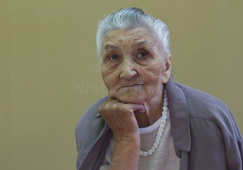 老妇人的画象 免版税库存图片