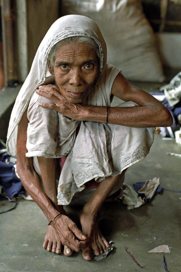 老妇人画象传统礼服的 免版税库存照片