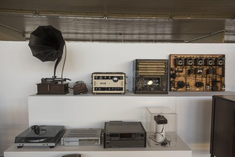 老家庭娱乐活动在尼古拉・特斯拉技术博物馆在萨格勒布,克罗地亚 免版税库存图片