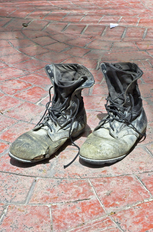 老对鞋子 免版税库存照片