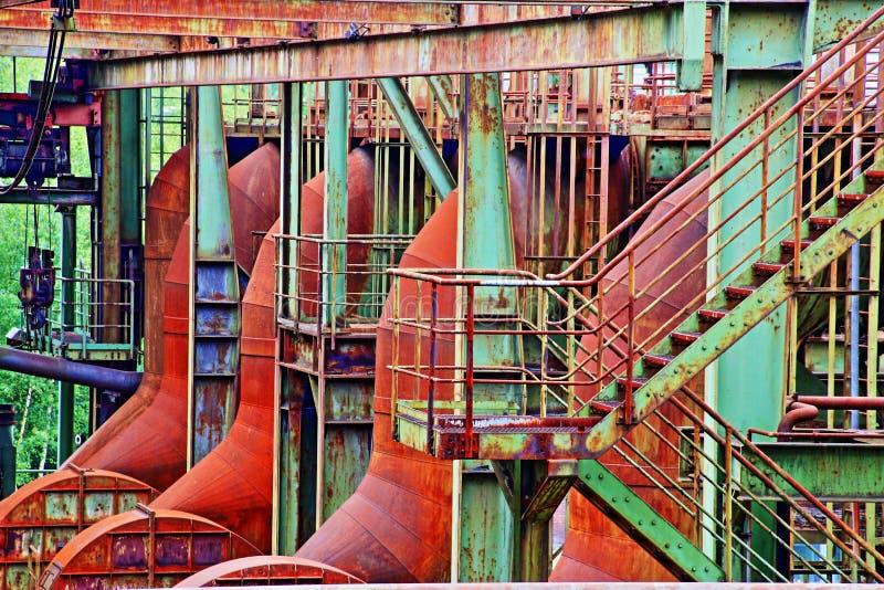 老工厂设备,在HDR视图的鼓风炉 免版税库存照片