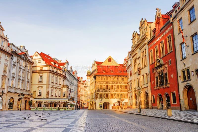老布拉格方形城镇 cesky捷克krumlov中世纪老共和国城镇视图 免版税库存图片