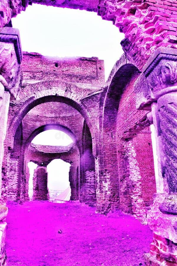 老废墟教会Crestin Ortodox 图库摄影