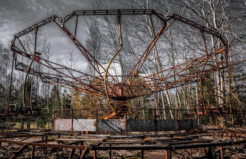 老弗累斯大转轮Pripyat鬼城  事故的后果在Chernobil核电站的 库存照片